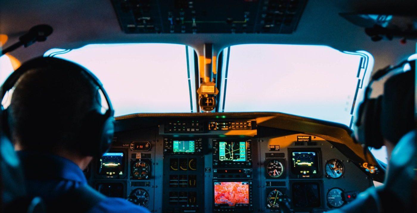 Gezagvoerder verkeersvliegtuig best betaalde banen
